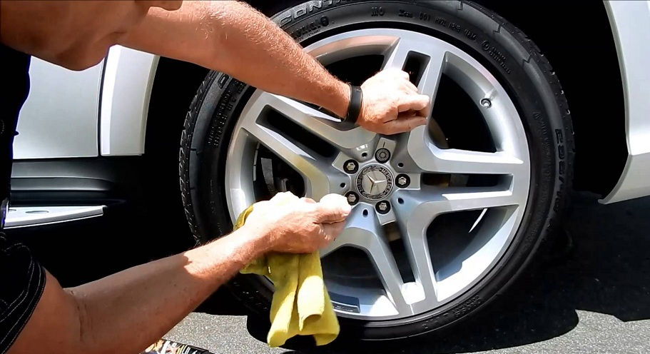 aluminum rims cleaning with household products