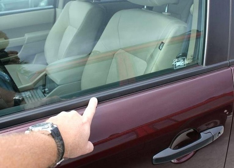 rubber trim arround car windows